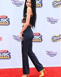 zendaya-coleman-at-2015-radio-disney-music-awards-in-los-angeles_4.jpg